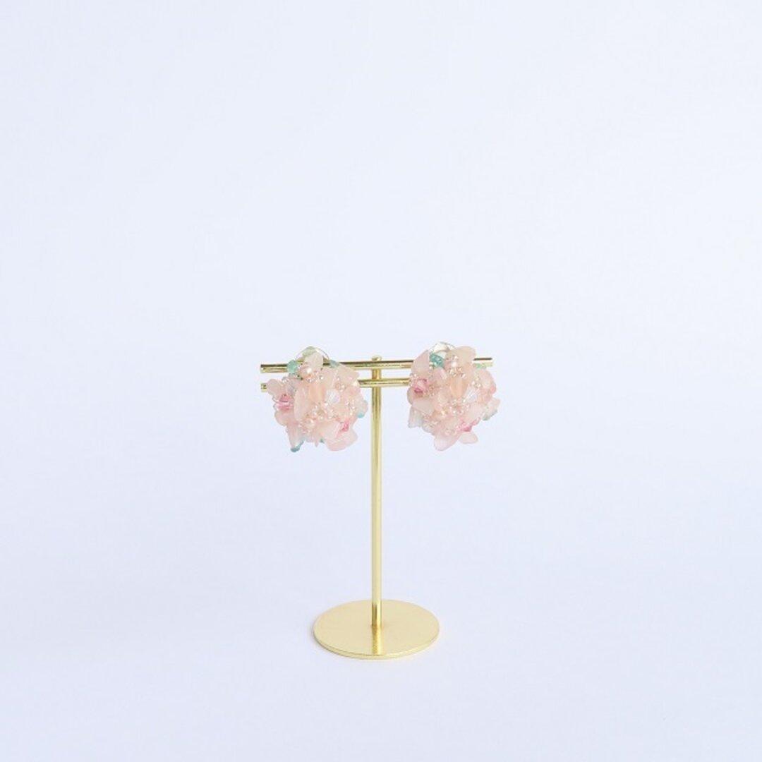 ローズクォーツの花束イヤリング Petit Bouquet(小さな花束)