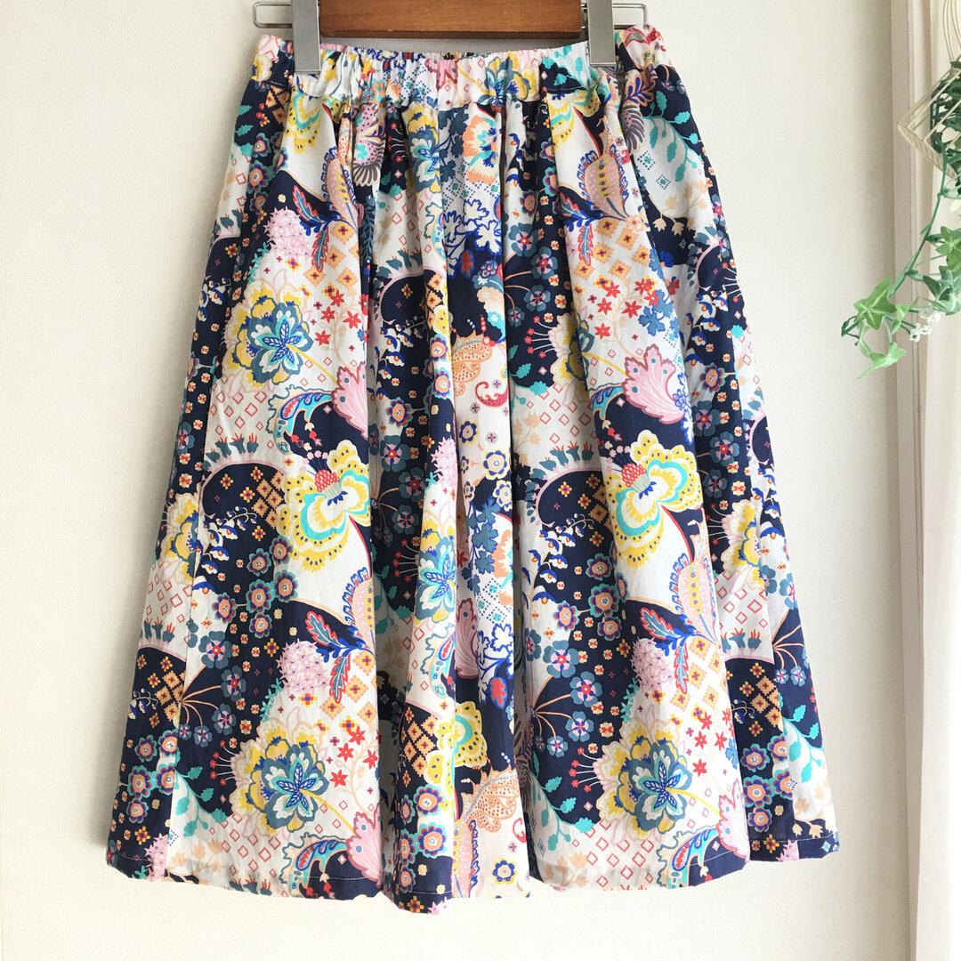 【LIBERTY】リバティ・ふんわりタックとギャザーの変わり模様の大柄スカート・フローラルミヌエット