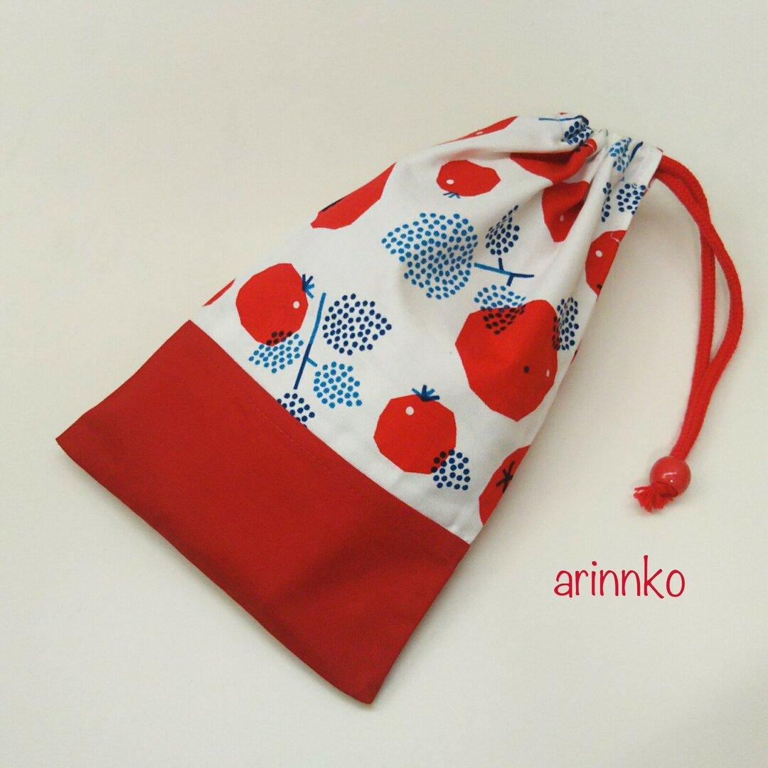 再販×6♪カトラリーの入る給食袋(赤いトマト柄)