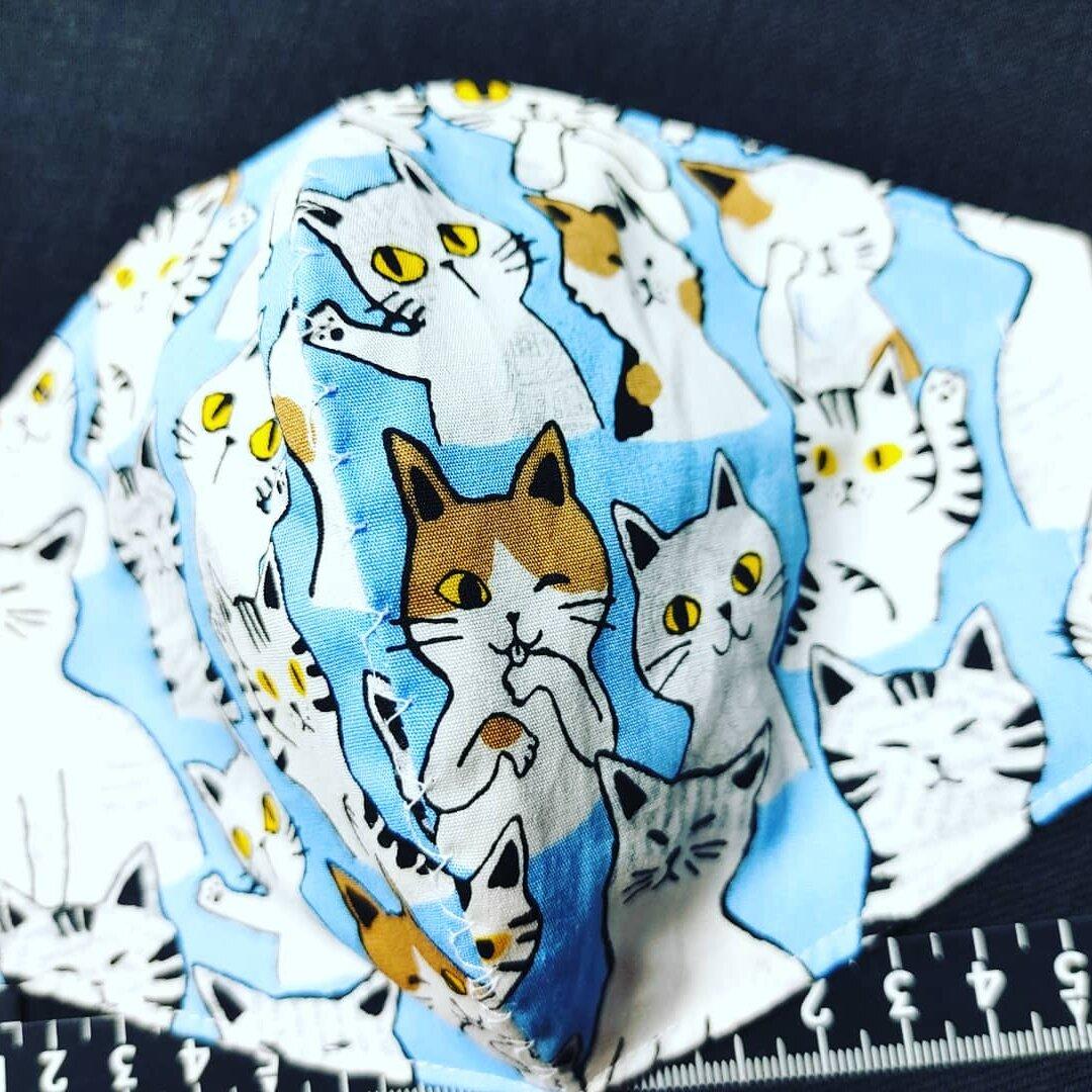 猫柄綿生地素材縦約13×横幅18cm立体マスク