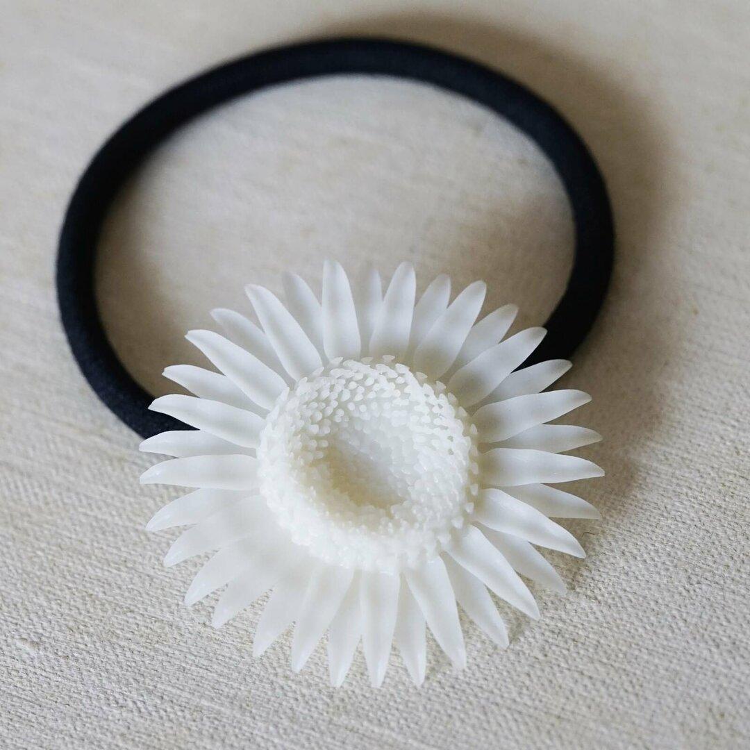 8月の花「ヒマワリ」のヘアゴム - 3Dプリントのアクセサリー