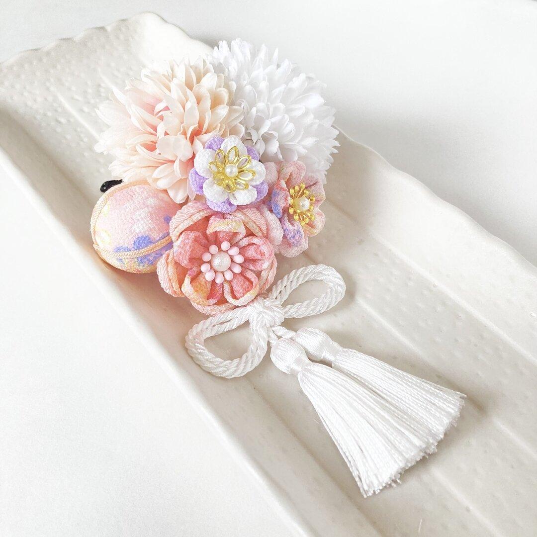 七五三髪飾り❇︎つまみ細工& アーティフィシャルフラワー~ホワイト~ 一点物✳︎和装✳︎タッセル