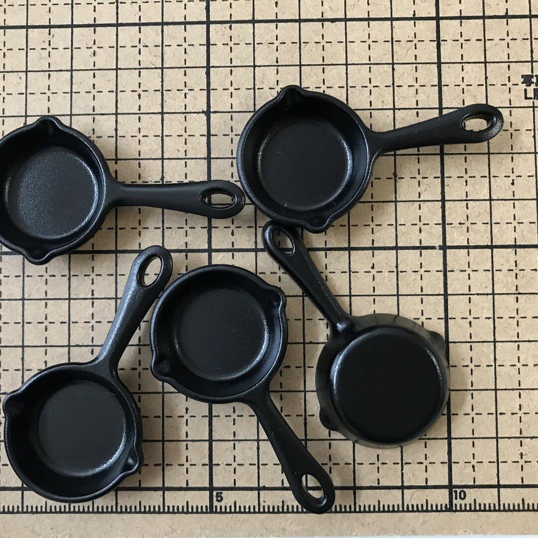【51】送料無料!ミニチュア食器  Sサイズスキレット鍋、フライパン、片手鍋、食器、調理器具