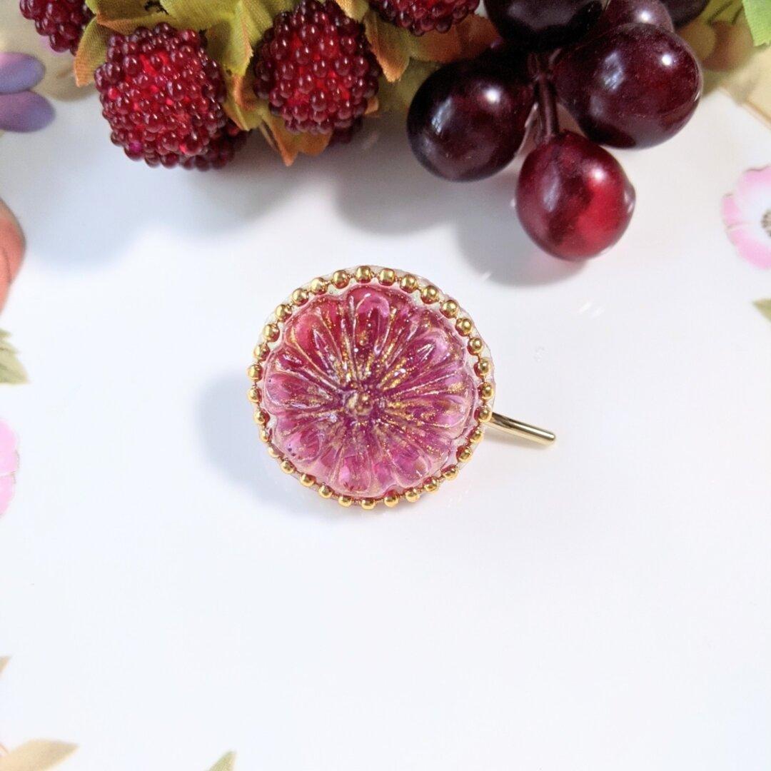 アンティークボタンみたいな葡萄色のポニーフック