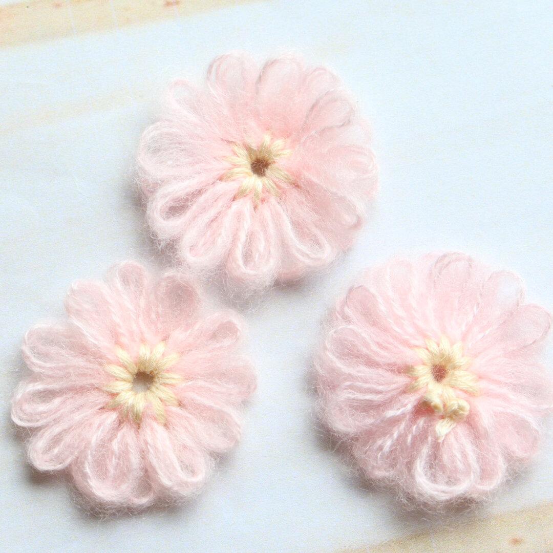 毛糸のお花 かぎ針編み ライトピンク
