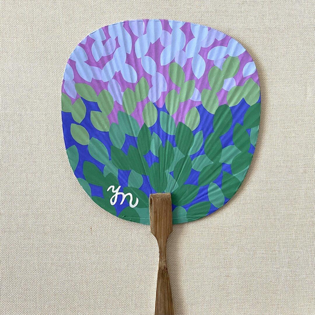 アクリル画うちわ 「パープルが広がる 葉」