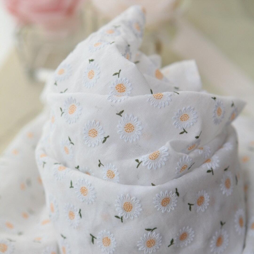 マーガレットが上品でかわいい透け感のある綿ガーゼ生地 110×50 (オレンジ系)