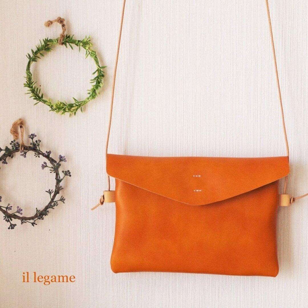 透明感のある色合い・・・ レザーポシェット 濃キャメルオレンジ色 (小ぶりサイズより、少し大きめのサイズです) ✻⑤3✻