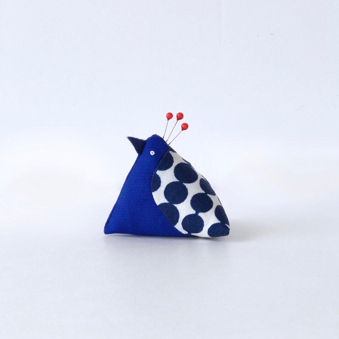 青い鳥のピンクッション