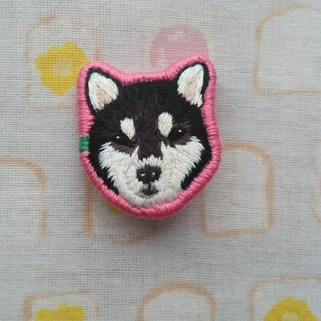 柴犬(黒) 刺繍ブローチ