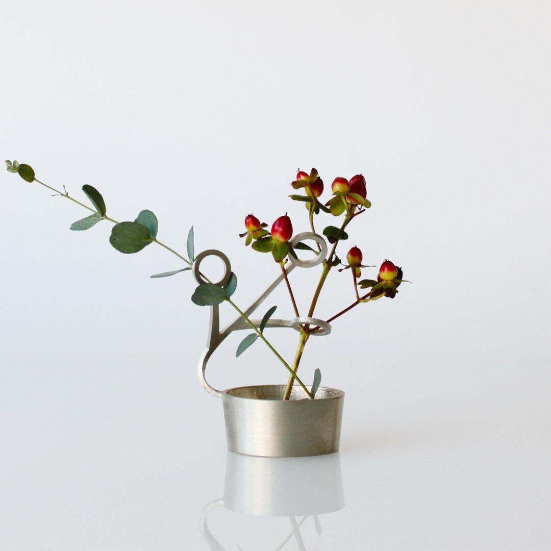 LASSO(MARU):花器 花瓶 錫 曲がる 延命効果