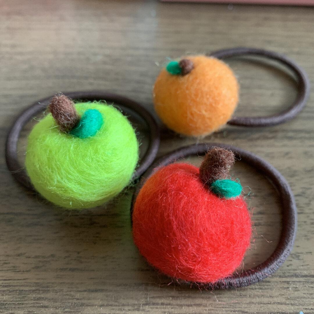 フルーツ雑貨☆ヘアゴム☆りんごとみかん☆親子でおそろい☆プレゼントにも☆こども用ヘアピンは2個入り