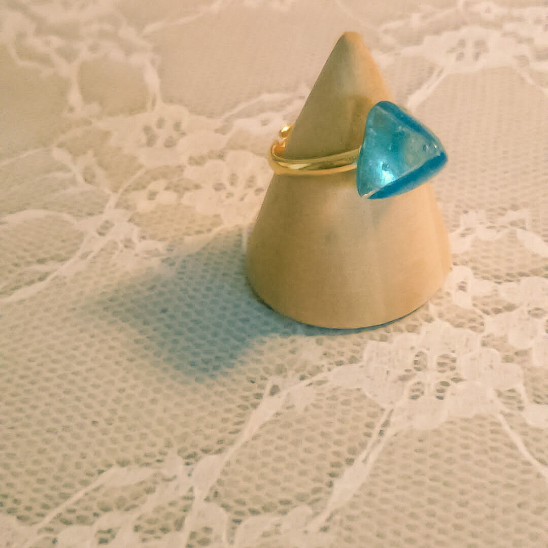 フェルトレジンのリング(ブルー)