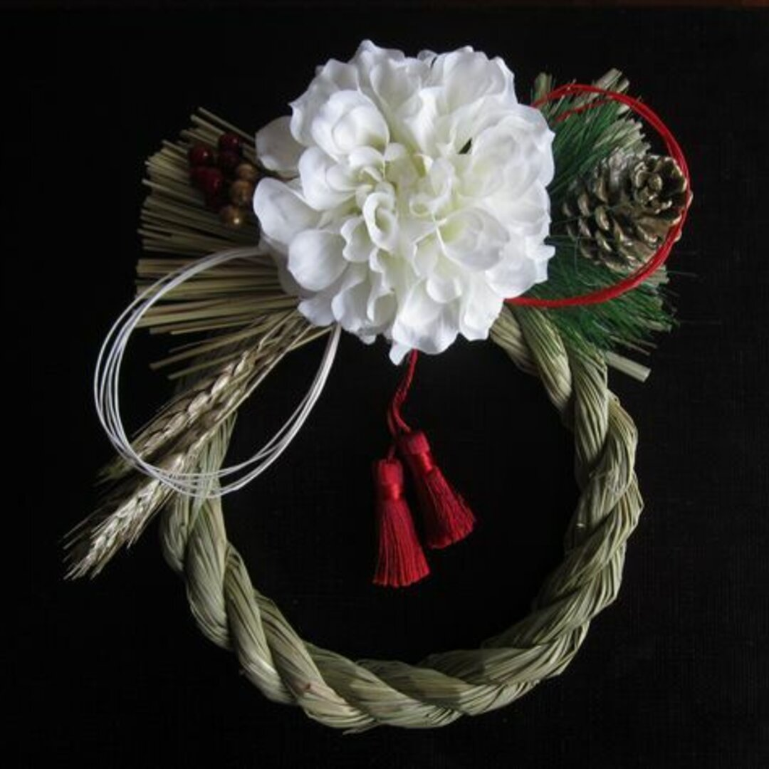 お正月 紅白水引とダリアのしめ縄飾り