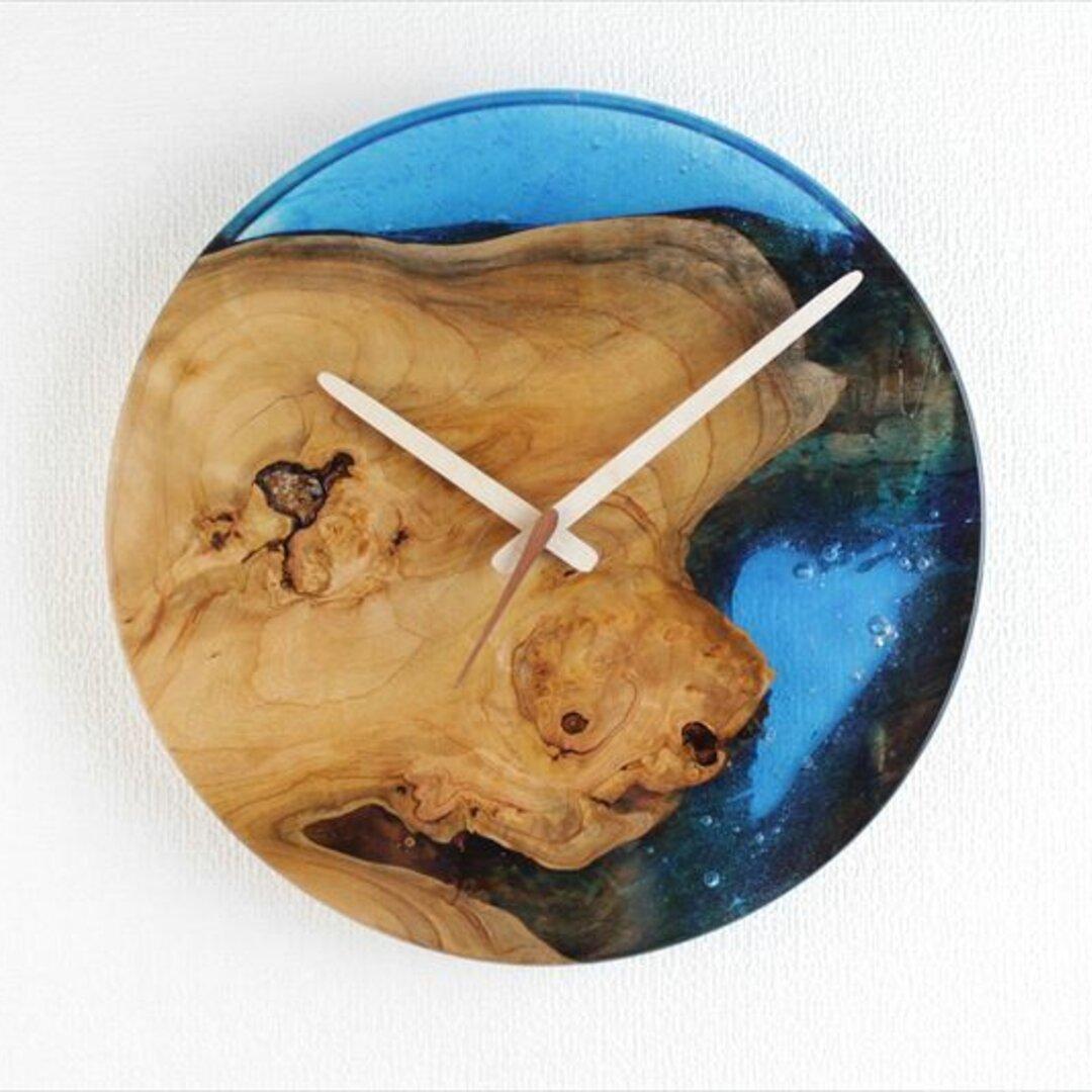 小さな世界が見えるかも? 直径29cm 直径29cm-24  木とレジンの掛け時計 River clock木とレジンの掛け時計No.05