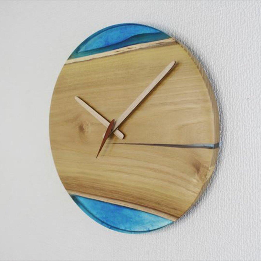 小さな世界が見えるかも? 直径30cm 直径30cm-54  木とレジンの掛け時計 River clock木とレジンの掛け時計No.05