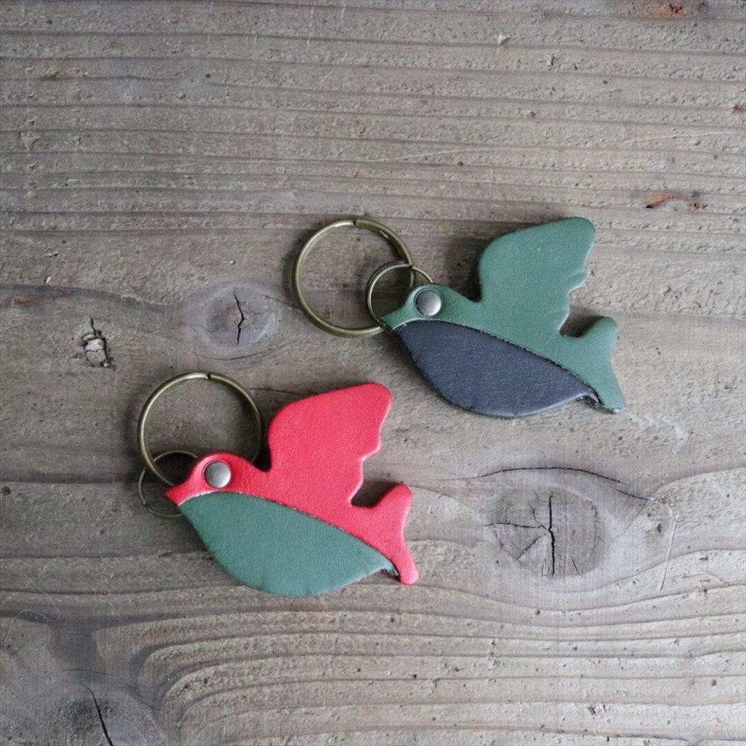 ●送料無料 ふっくらシルエットが可愛い 鳥キーホルダー 革 ac-32-b 【5色から選択し備考欄に記入】