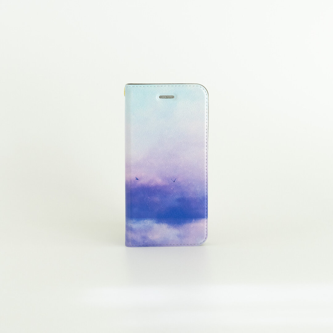 青い空と湖の、手帳型スマホケース|iPhone・Android