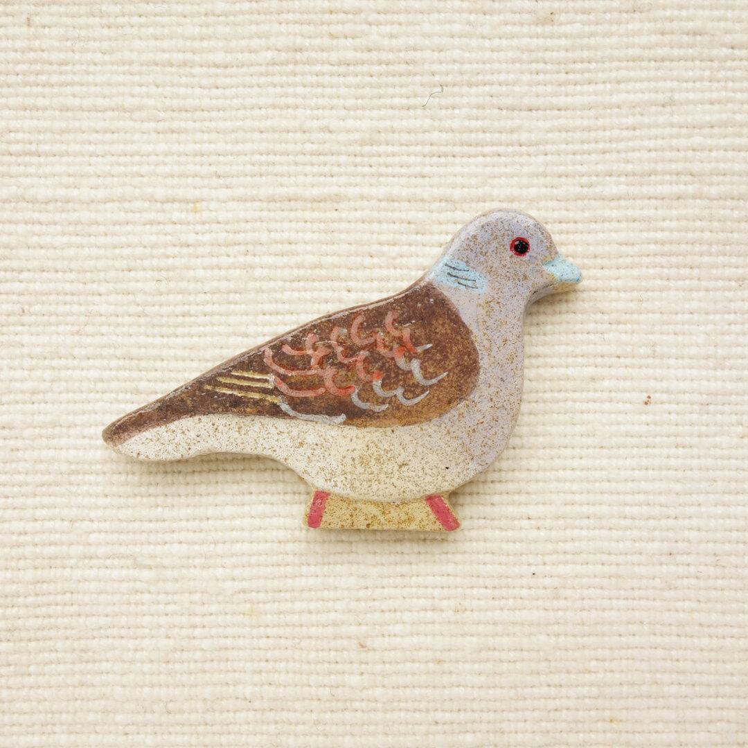 とことこキジバトのブローチ 野鳥(マグネット変更可)