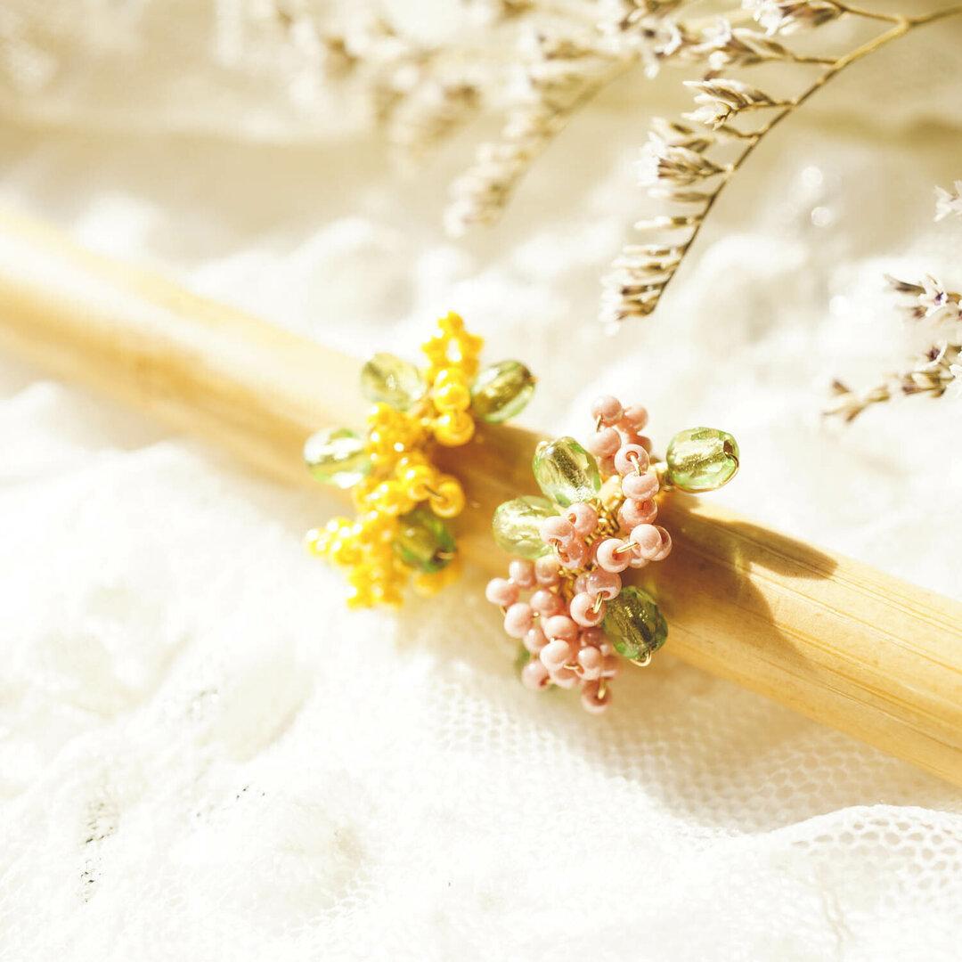 ふんわり桜とミモザのイヤーカフセット