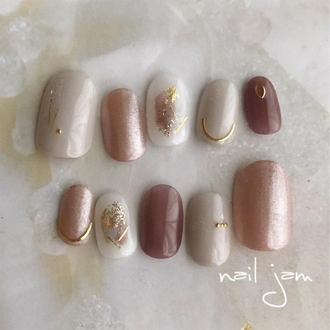 ショコラブラウンのニュアンスネイル   〜シンプル 秋 冬 パーティー ブライダル グレー  ネイルチップ