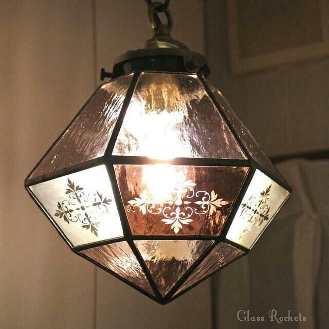 ユリの文様のランプ  LED電球付き ステンドグラス ペンダント 照明 ライト