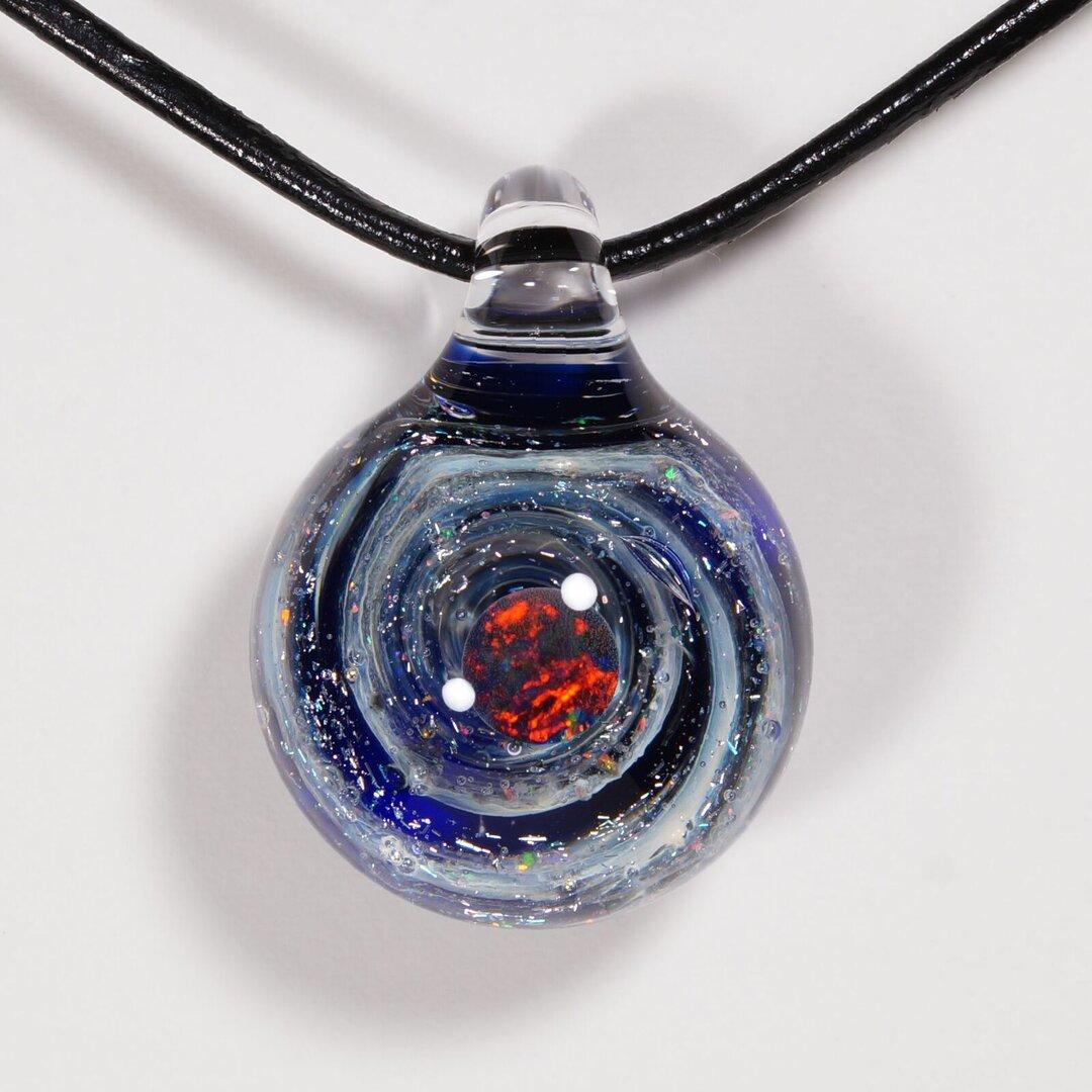 ガラスの小宇宙 ブラックオパール ペンダント No.BM1419C 【Yasuda Glass】