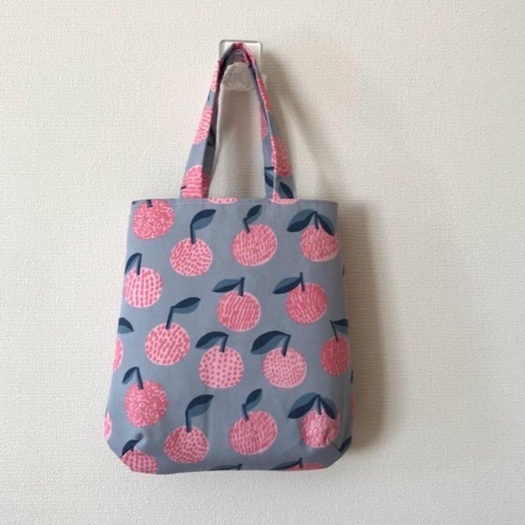 果実柄のミニバッグ
