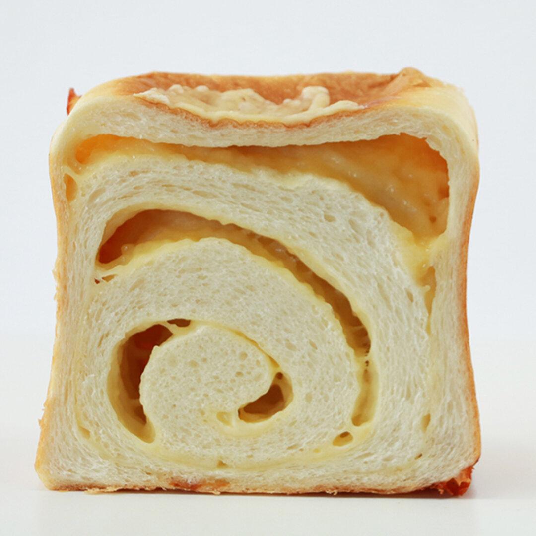 たっぷりチーズ食パン 1斤
