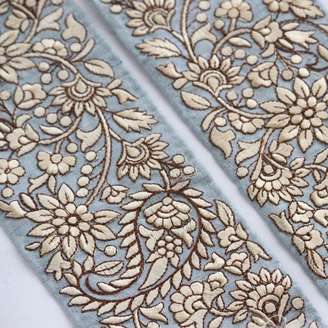 インド刺繍リボンᢂペイズリーシルクリボン【ライトブルー】刺繍リボン 刺繍リボン トリム ブレード ジャガードリボン チロリアンテープ レース チュールレース