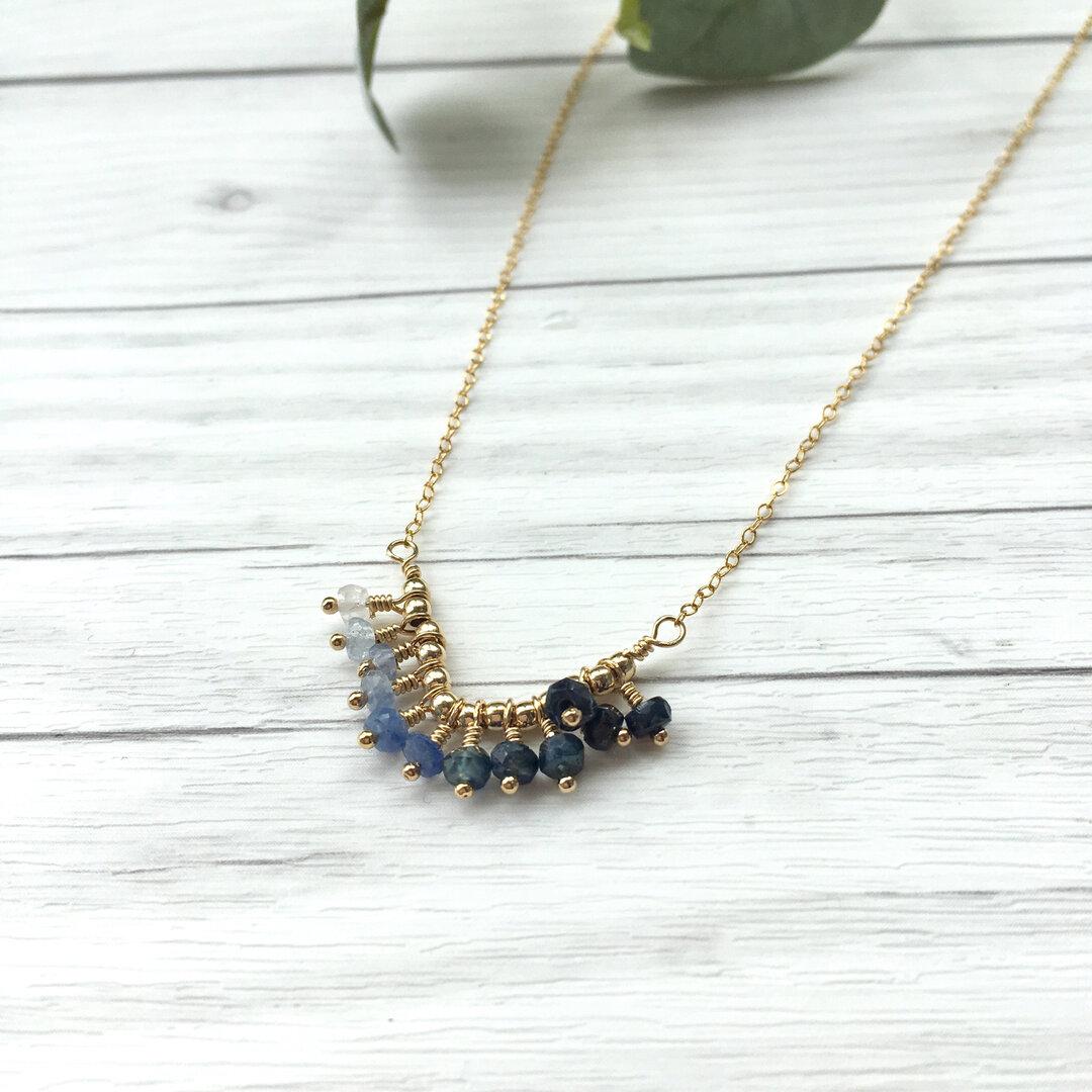 14kgf V fringe Necklace Gradation sapphire