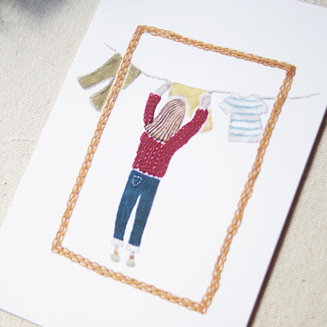 お洗濯している女の子のポストカード