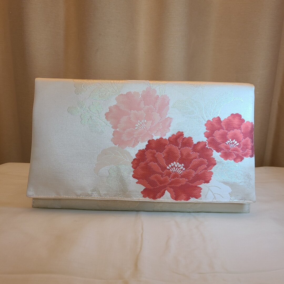 正絹西陣織袋帯赤ピンク牡丹花柄シルク着物帯のクラッチバッグ