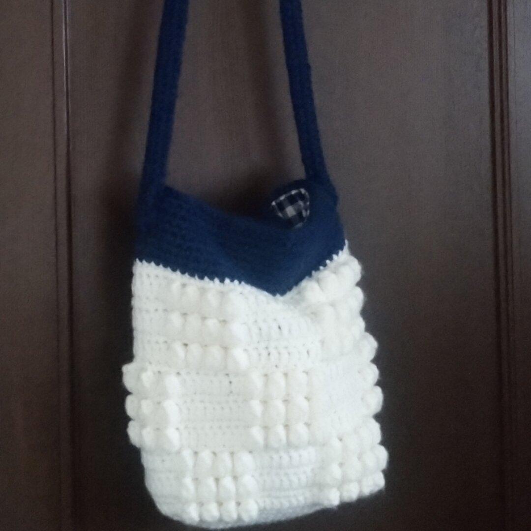 手編みのショルダーバッグ