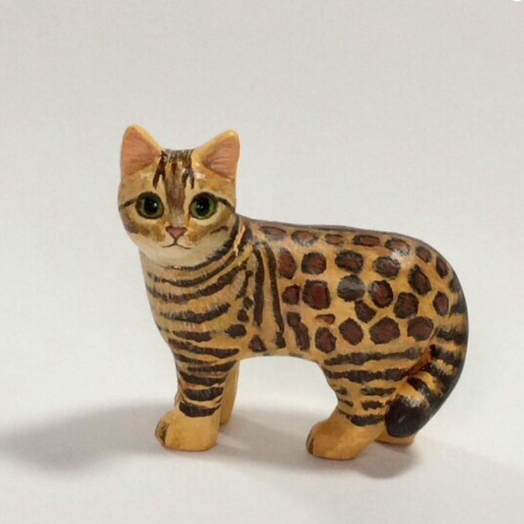 ベンガル猫の置物