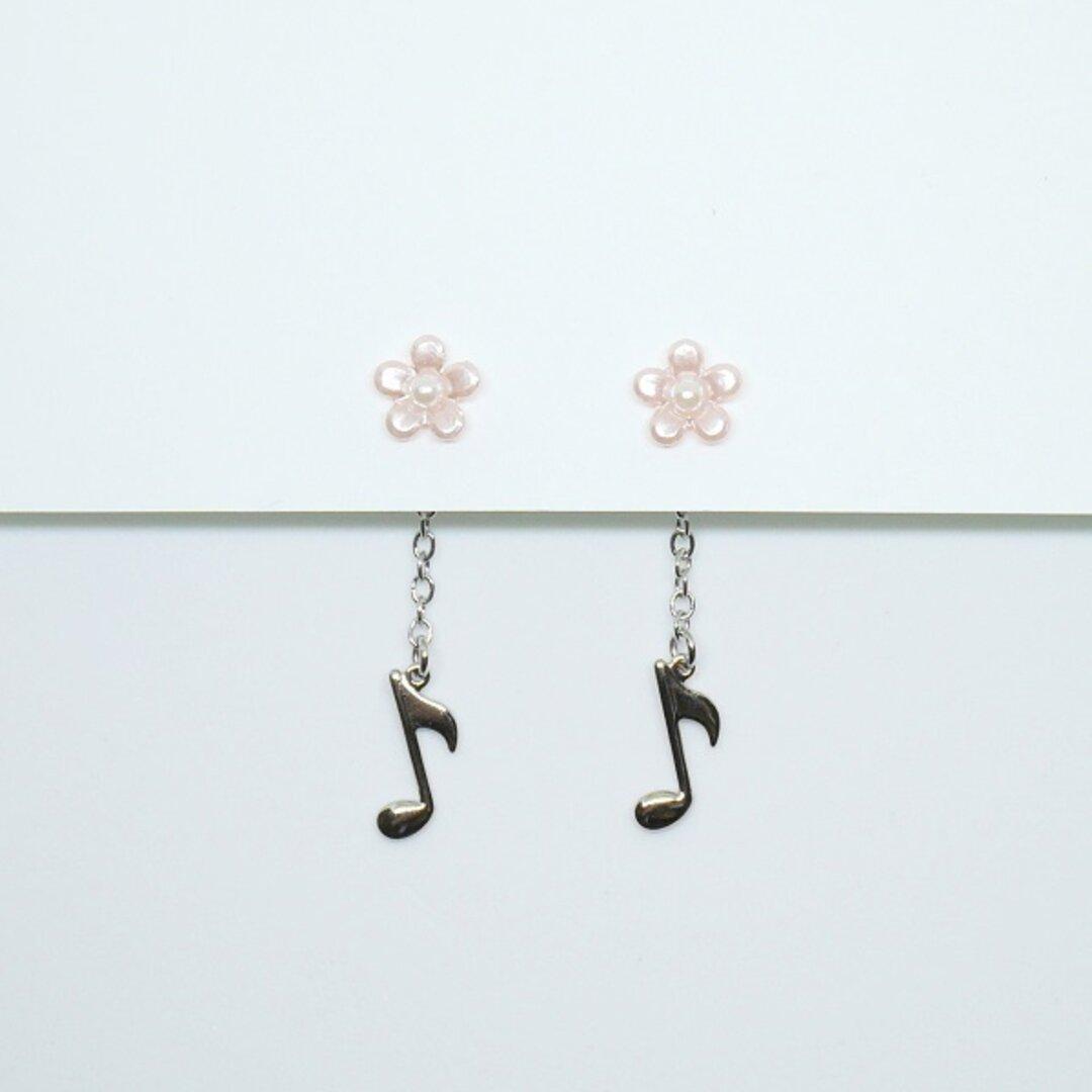 8分音符と小花のチェーンピアス