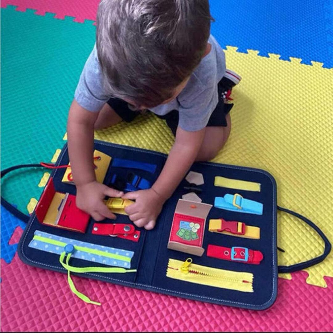即納分…プレゼント付★再販× 15❤︎知育玩具 バッグ型おもちゃ ファスナー ボタン留め 紐通し モンテッソーリ バッグ型知育玩具 リハビリにも