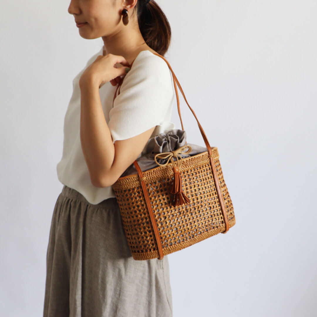 ⁑anvai「手編む鞄」アタ かご バッグ トートバッグ 肩掛け 巾着袋&タッセル 着物 浴衣 N01B