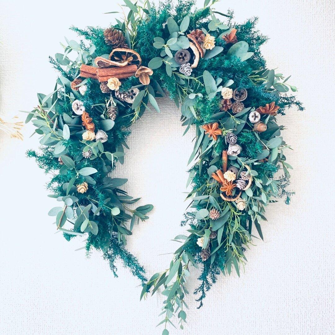 送料無料*北欧の森のクリスマス*幸せを呼ぶホースシュースワッグ