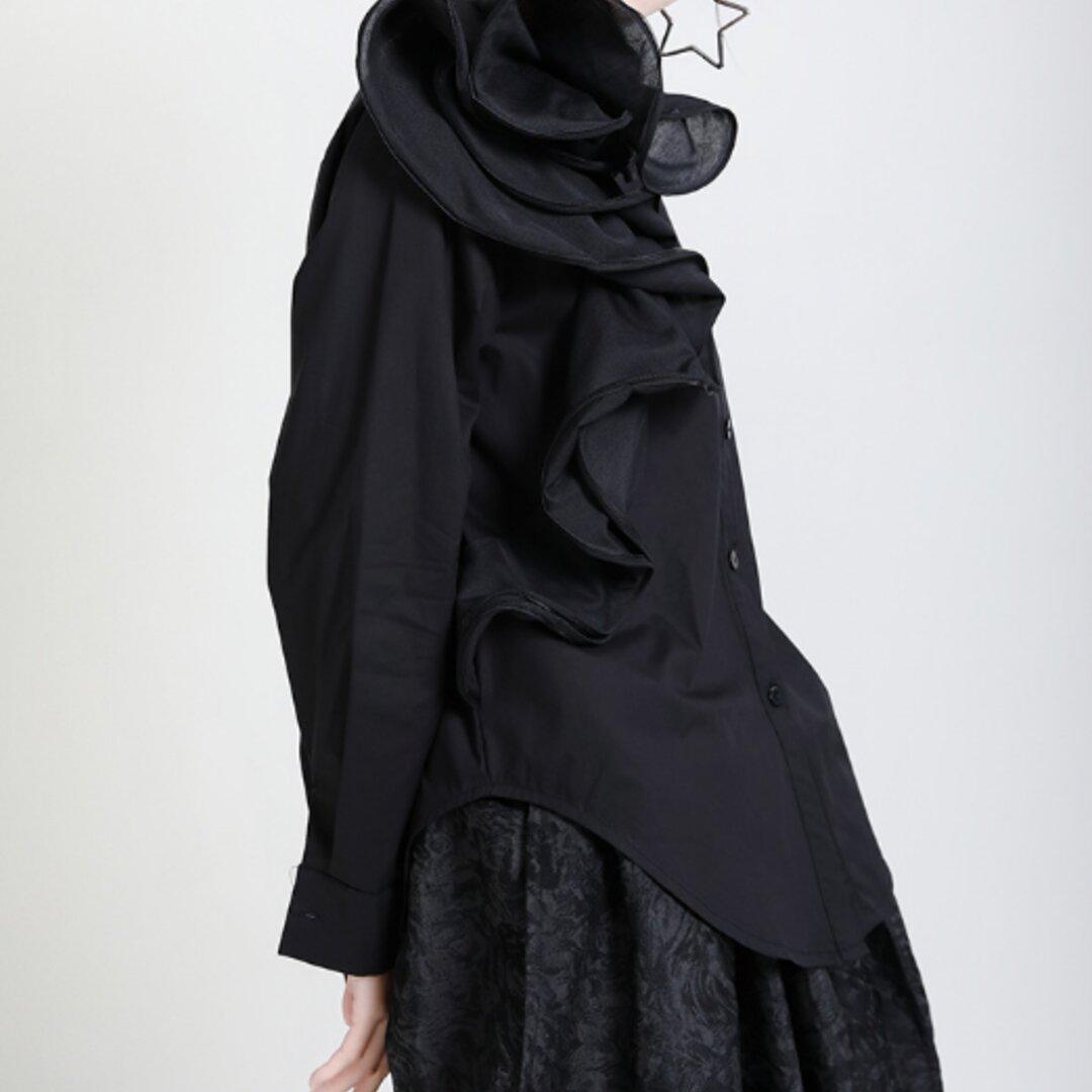 秋の新作フレンチホワイト長袖シャツ女性立体フラワーブラウス、デザイン軽め成熟シャツ