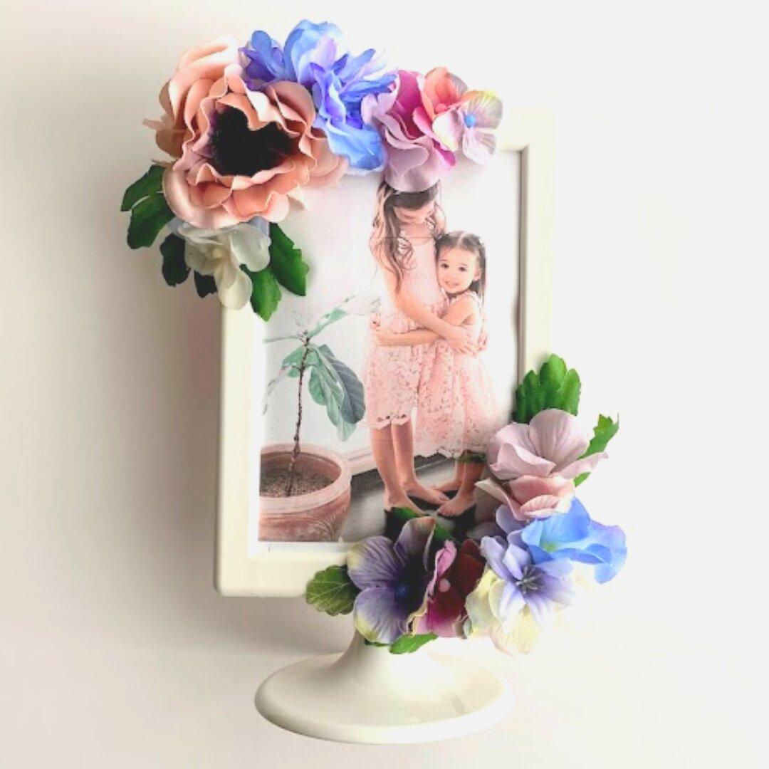 【 無料ラッピング・手提げ袋 】フォトフレーム 写真立て ギフト プレゼント インテリア おしゃれ 枯れない 長持ち 思い出 感謝 記念日 フラワーアレンジメント 笑顔ピンク