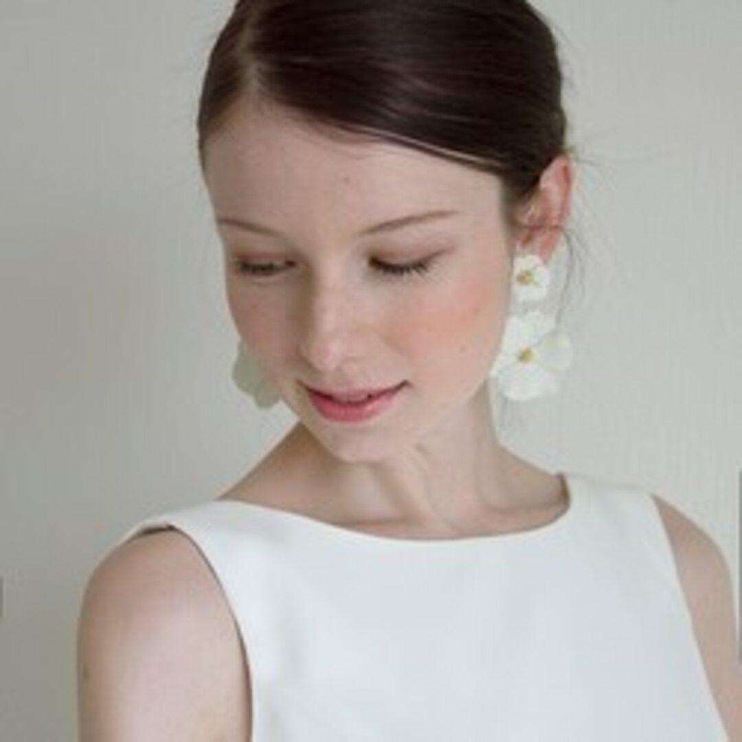 ウェディング ウエディング ブライダル ホワイトフラワーモチーフピアス ブライダルアクセサリー 結婚式 パーティー【ホワイトフラワーピアス】