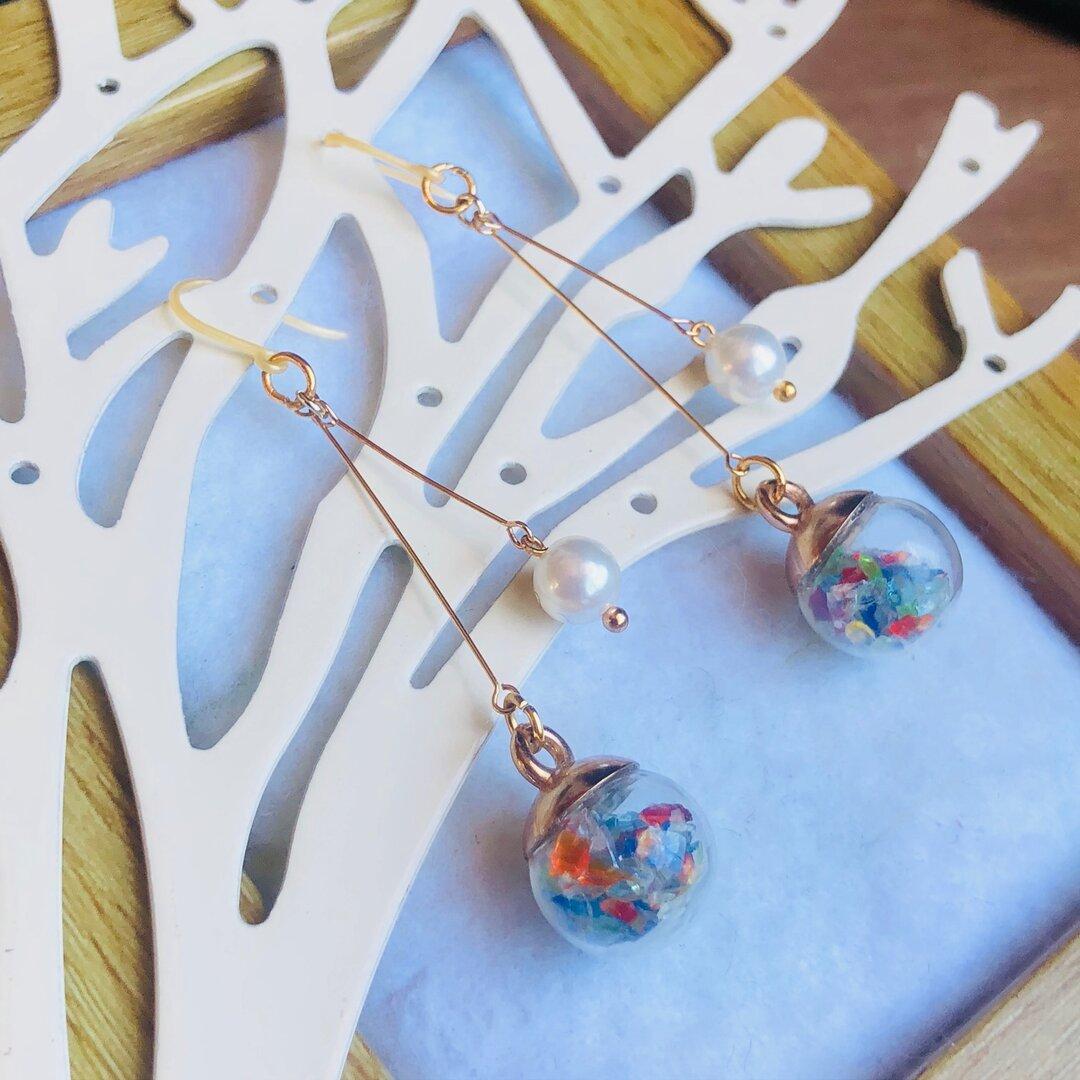 送料無料♪琉球ガラスとチェコガラスのゆらゆら愛らしいイヤリング