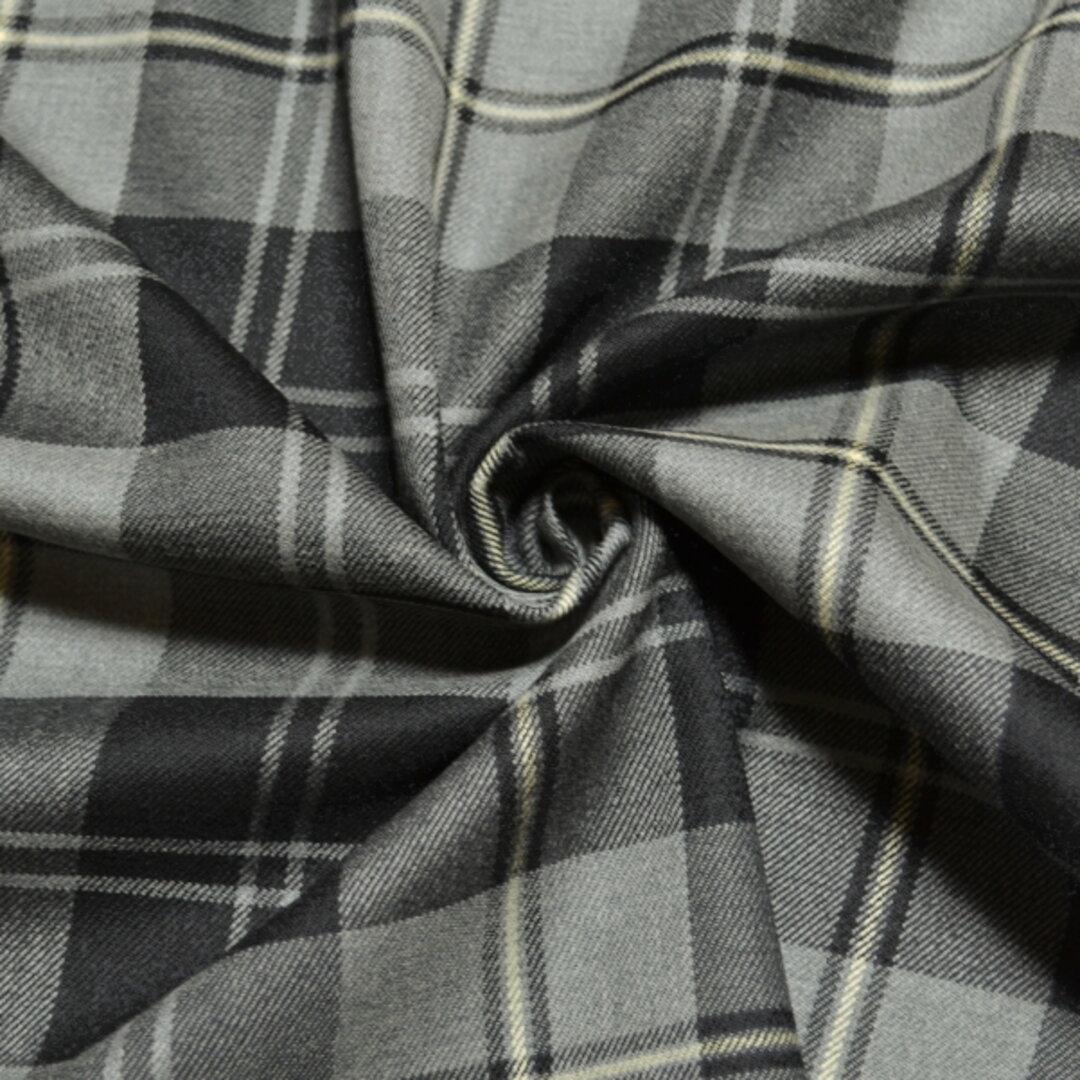濃いグレーのチェック柄 ウールストレッチ  イタリア製【お買い得品】輸入生地K42