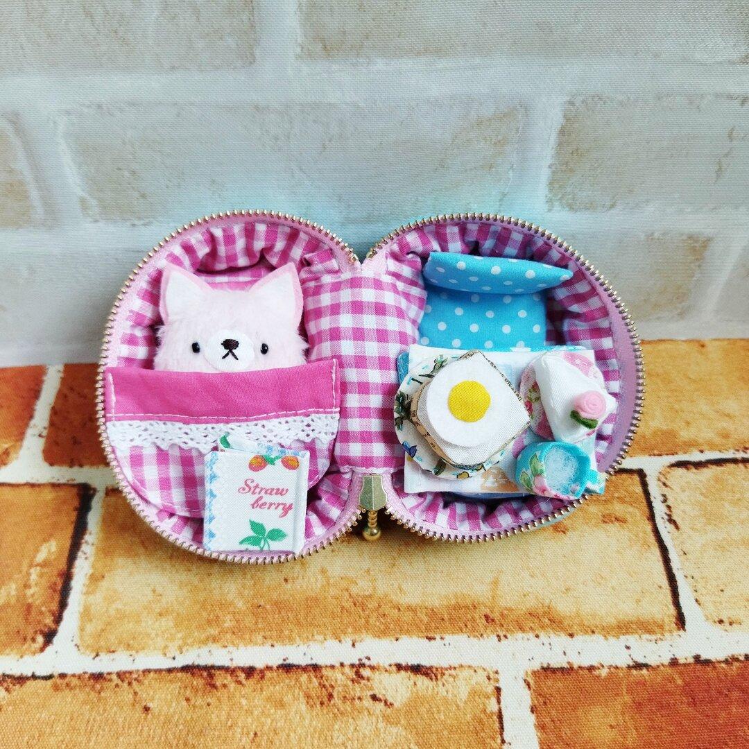 小さなポーチの部屋(水色×ピンク・ねこ)