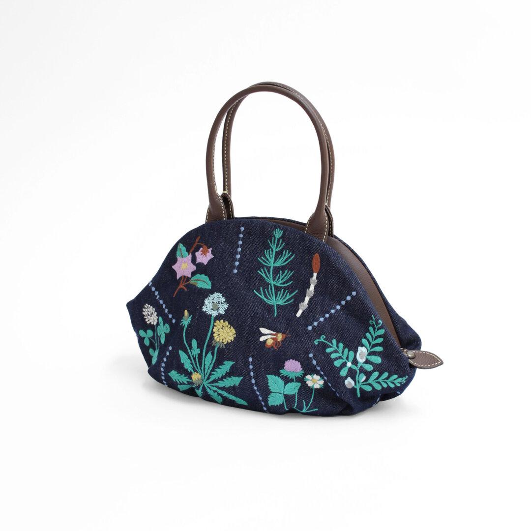 春の庭刺繍・アーモンドバッグ