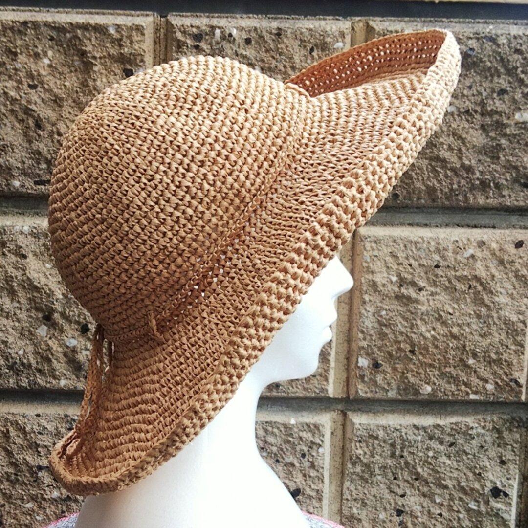 ラフィア つば広の手編み帽子 共紐のリボン