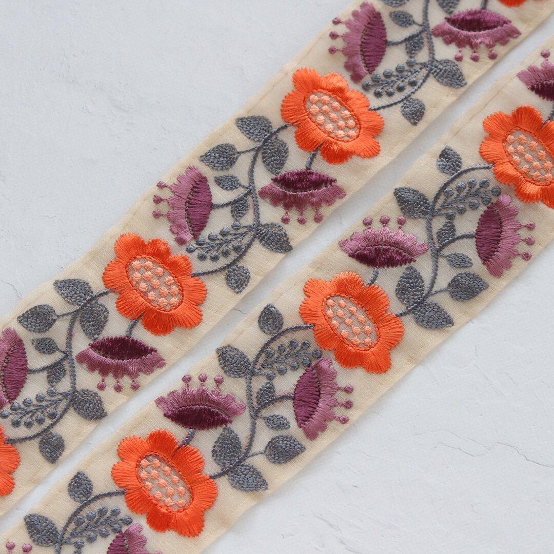 インド刺繍リボンᢂ北欧フラワー【オレンジ】インド刺繍/刺繍リボン/リボン/シルクリボン/トリム/ブレード/ジャガードリボン/チロリアンテープ/レース/チュール