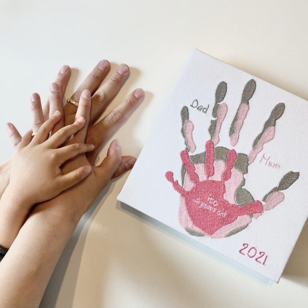【オーダーメイド】仲良しファミリー手形パネル