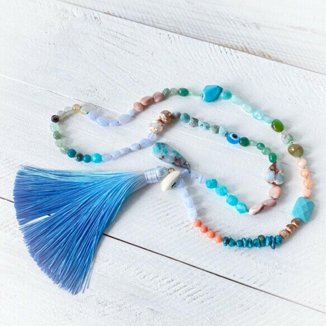 海のネックレス ターコイズブルー 珊瑚 ラリマー タッセル 海岸 青